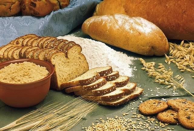 べースフードは全粒粉で糖質量が抑えられている